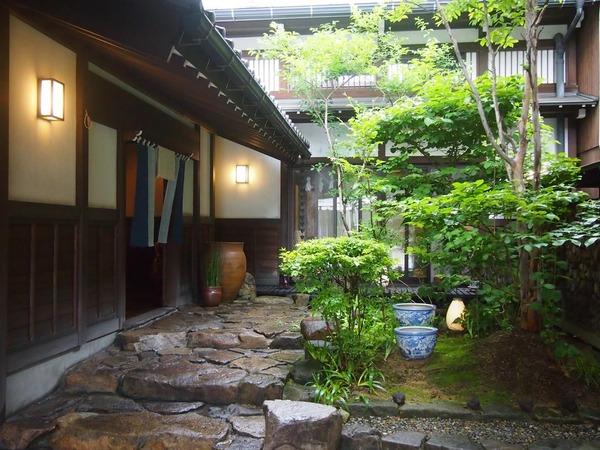【悲報】日本の「古都」のイメージ、現実とのギャップがwwwwwwwwwwwwwwwwwwのサムネイル画像