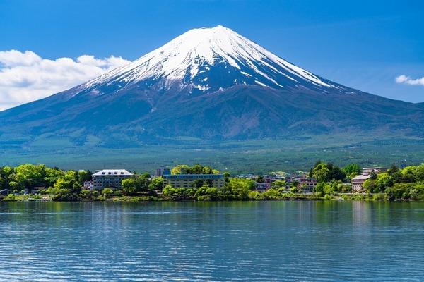 【富士山】登山の20代男「疲れて動けない」と通報→救助隊員が捜索→あ り え な い 事 態 に・・・・・のサムネイル画像