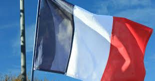 【動画】フランス「せや!燃やした車クレーンで吊って料金所にぶつけたろ!」のサムネイル画像
