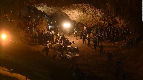 【緊急】タイ洞窟、少年2人とコーチの状態がヤバい・・・のサムネイル画像