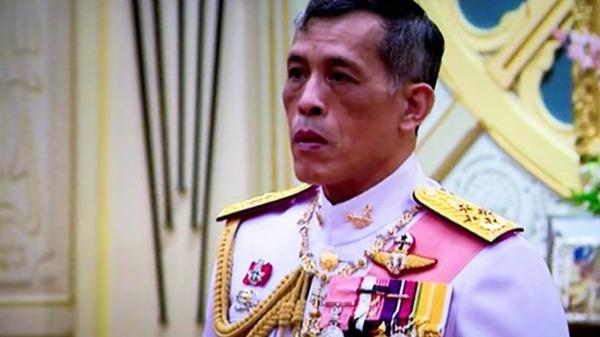 【驚愕】ドイツTV局、タイ国王の「結婚式」を面白おかしく放送!!!→ その結果wwwwwwwwwwwwwwwのサムネイル画像