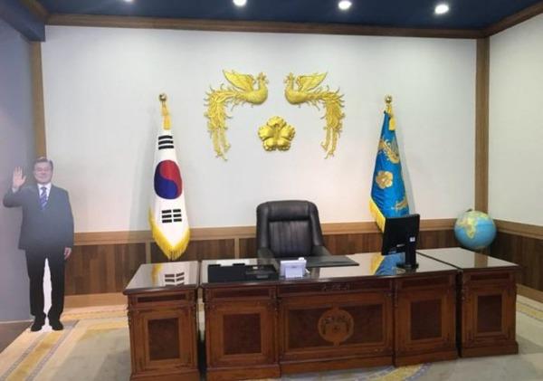 """【調査】韓国国民が「ムンを支持する理由」1位が""""コレ""""wwwクソワロタwwwwwwwwwwwwwwwwのサムネイル画像"""