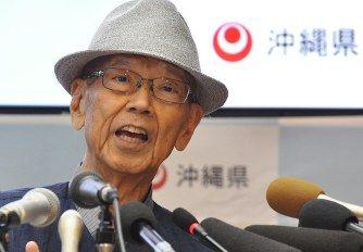 【速報】安倍首相、沖縄の翁長知事死去に対し、哀悼の意を示す・・・!!!のサムネイル画像