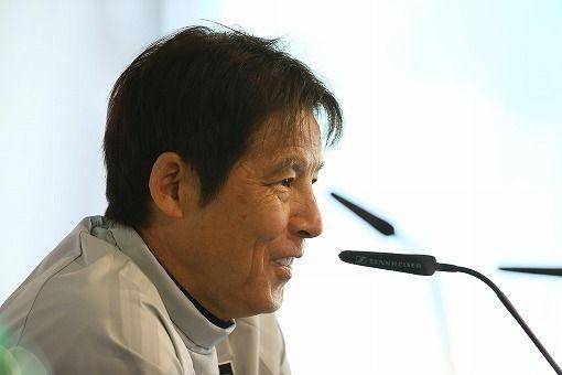 【朗報】欧州記者「なぜ日本は強い?」西野監督「えっ?」→ その結果wwwwwwwwwwwwのサムネイル画像