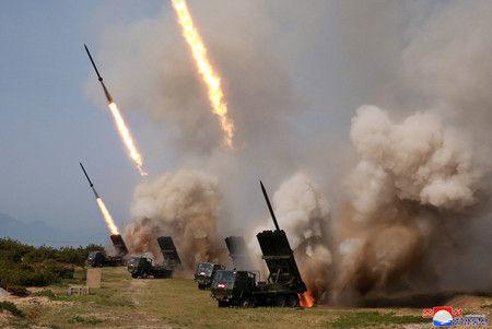 "【愕然】韓国政府が北朝鮮の「飛翔体」を""分析""した結果wwwwwwwwwwwwwwwwwwwwwのサムネイル画像"
