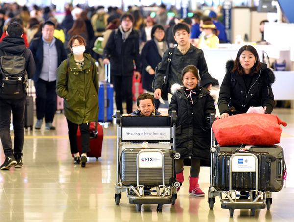 【激震】関空にて韓国への出国ラッシュ!!! 一体何が・・・・・のサムネイル画像