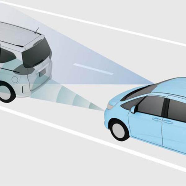 【衝撃】「自動ブレーキって、つまり踏まなくても勝手に止まるんだろ?」→ その結果wwwwwwwwwwwwwwwwwのサムネイル画像