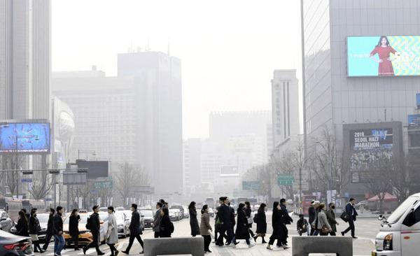 【速報】韓国政府「大気を綺麗にする方法はコレだ!!!」→アホすぎワロタwwwwwwwwwwwwwwwのサムネイル画像