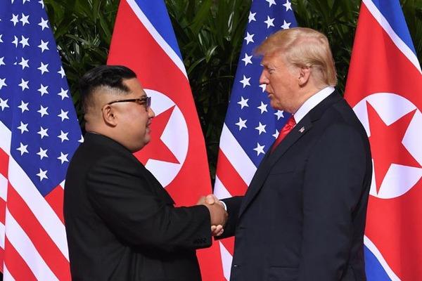 【悲報】米朝首脳会談に対する米メディア3社の反応がこちらwwwwwwwwwwwwwのサムネイル画像
