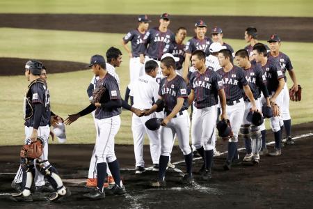 【驚愕】野球U18アジア選手権、韓国選手が日本選手の「グラブ」を・・・・・・のサムネイル画像