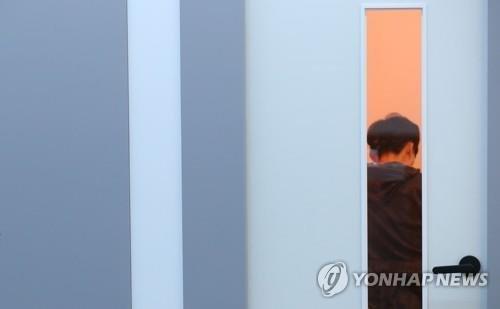 【地獄】韓国、大卒予定者の就職内定率がヤバすぎるwwwwwwwwwwwwwwwwwwwwのサムネイル画像
