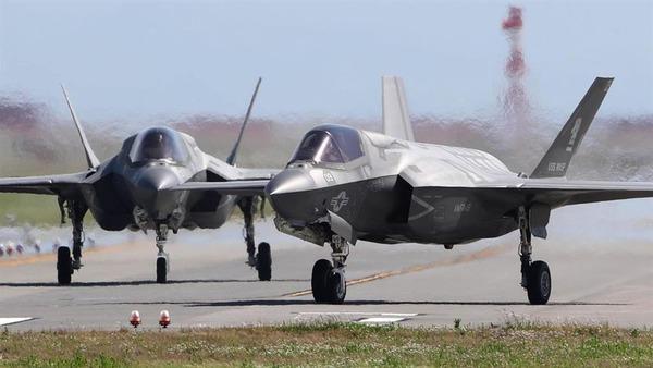 【防衛省】戦闘機「F-35B」導入方針を固める!!!→ その機数が・・・・・のサムネイル画像