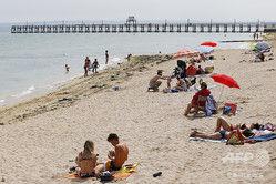 【驚愕】男性、海辺の砂浜に自ら穴を掘り入る → その悲惨な末路が・・・・・のサムネイル画像