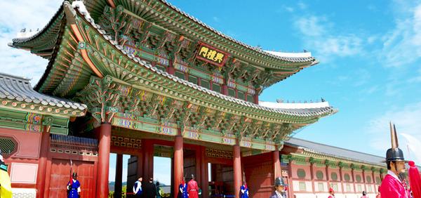 【驚愕】韓国旅行する日本人、訪問回数世界一 → なお満足度wwwwwwwwwwのサムネイル画像