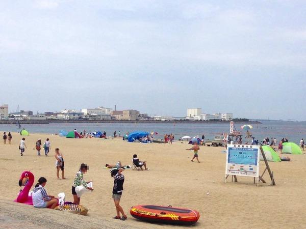 【大阪】警察官、海水浴場で現行犯逮捕されてしまう → その理由が・・・・・のサムネイル画像