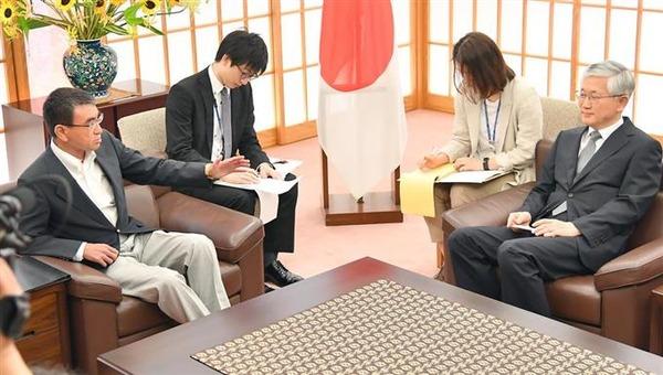 【動画】河野外相と駐日韓国大使のやり取りがヤバいwwwwwwwwwwwwwwwwwwwwwwwwwwwwのサムネイル画像