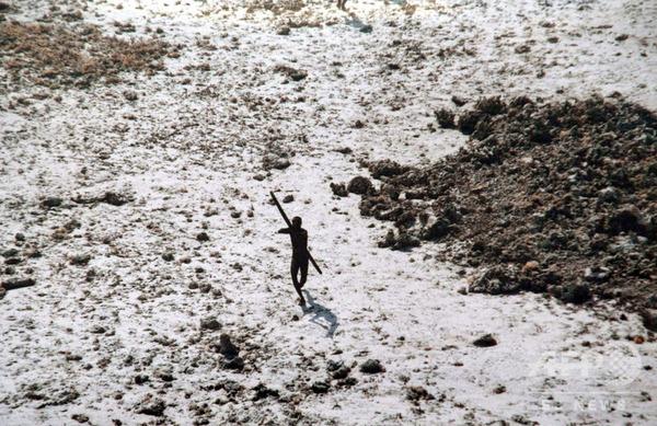 【緊急】インド、「先住民」と警察のにらみ合いが続く・・・・・のサムネイル画像