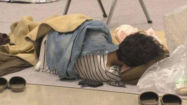 【緊急】大阪・高槻市の避難所「追加の支援物資が届かない!」→ その結果・・・のサムネイル画像