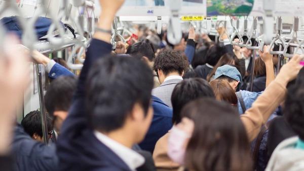 【朗報】東京都「満員電車対策思いついたったwwwwwwwwwwwwwwwwwwwww」のサムネイル画像