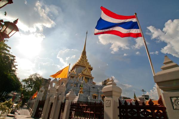 【動画】タイの日本人「帰国する金がない!!!」→ とんでもない行動に出る・・・・・のサムネイル画像