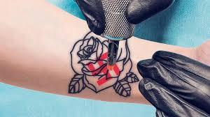 【驚愕】「タトゥー問題」を「医学的観点」から語った結果wwwwwwwwwのサムネイル画像