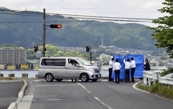 【驚愕】事故を避けるため「直進車が止まる時代」突入か!!!!!のサムネイル画像