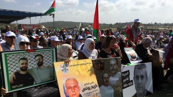 【画像】パレスチナ美人看護師(21)「私は白衣に守られている」→ その末路が・・・のサムネイル画像
