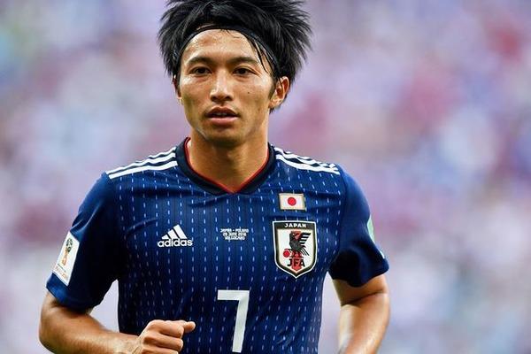 【サッカー】柴崎岳さん、モテモテへwwwwwwwwwwwwwwwwwwwのサムネイル画像