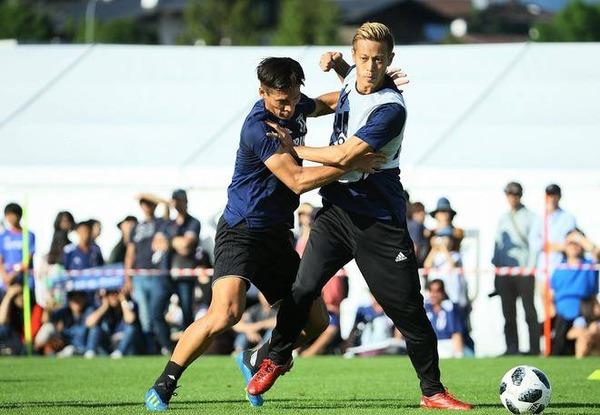 【サッカー】米メディア、日本代表を酷評wwwwwwwwwwwwのサムネイル画像