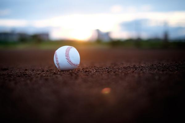 【速報】高校野球、試合中のデッドボールで死去のサムネイル画像