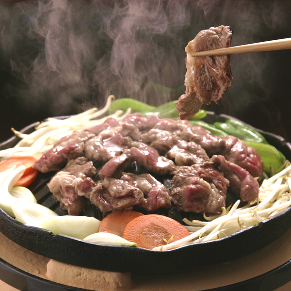 """【衝撃】モンゴル人「""""ジンギスカン""""の料理名を変えて!!!」→その理由がwwwwwwwwww"""