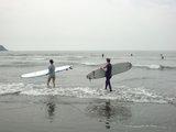 鵠沼海岸サーファー