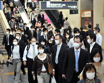 通勤客 マスク姿2