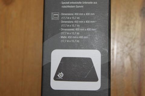 SteelSeries QcK + マウスパッド63003 箱