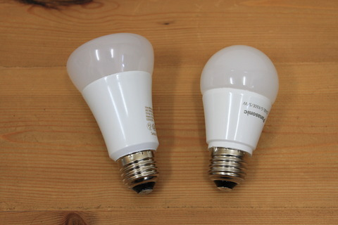hue電球とPanasonicのLED電球比較