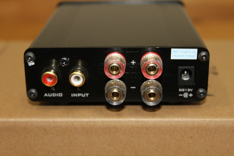 FX-AUDIO- FX202J 背面