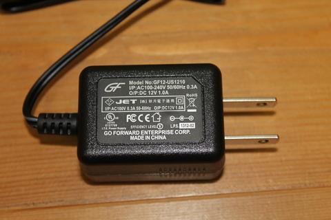 秋月電子 超小型スイッチングACアダプタDC12V1A GF12-US1210