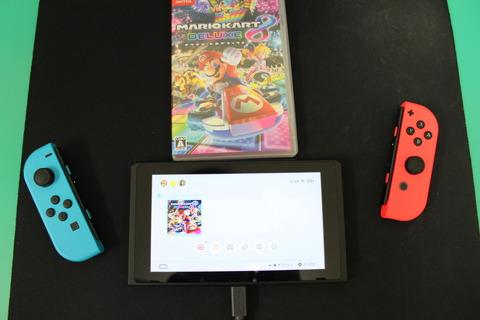 Nintendo Switch マリオカート8 デラックス ゲームカード差し込み
