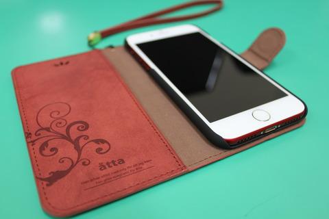 iPhone7 REDに手帳型ケース