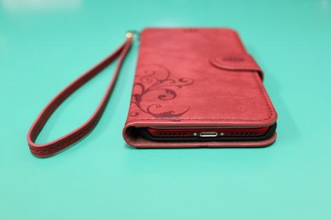 iPhone7 RED に手帳型ケース ワインレッド