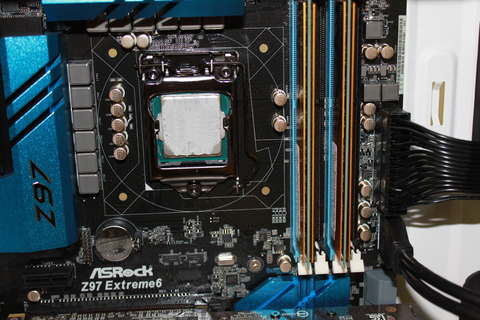 CPUのグリスを拭き取る