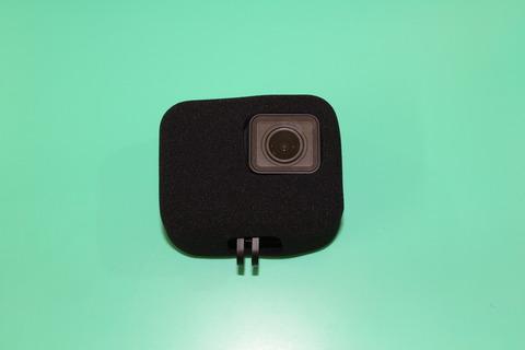 GoPro HERO7に 防風スポンジケース