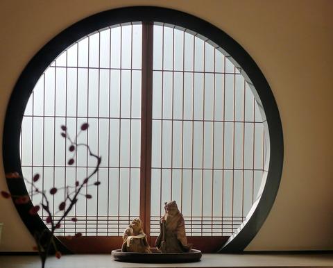 泰勝 飾り窓