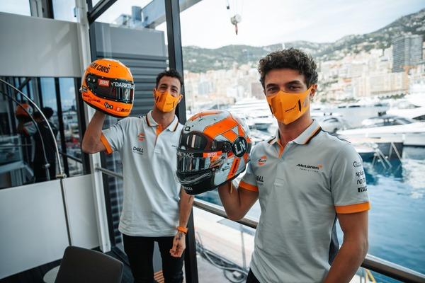 ダニエル・リチャルドとランド・ノリス、ガルフ・デザインのヘルメット:2021年F1モナコGP