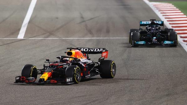 マックス・フェルスタッペン(レッドブル・ホンダ)、ルイス・ハミルトン(メルセデス):2021年F1バーレーンGP