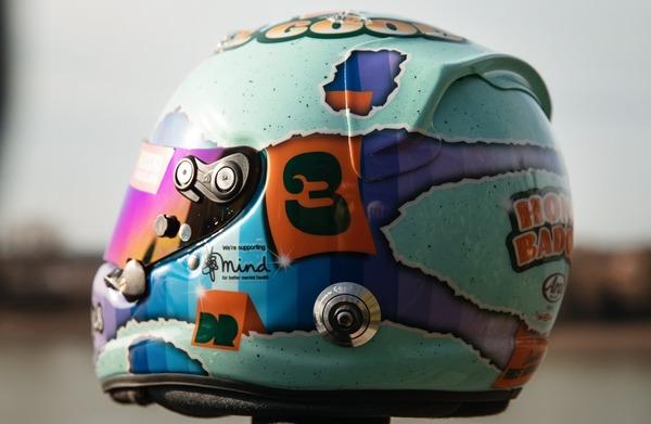 ダニエル・リチャルド(マクラーレン)2021年F1ヘルメット