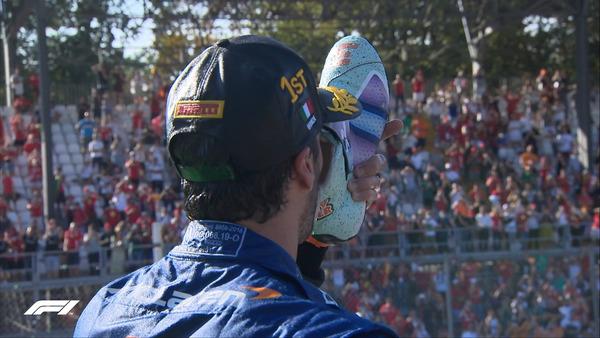 ダニエル・リチャルド、シューイをやる:2021年F1イタリアGP 147