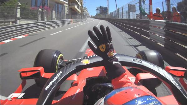 シャルル・ルクレール、母国レース、観客に手を振る