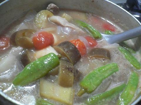 フィリピン名物料理 シニガンバブイ