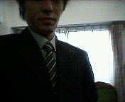 スーツの俺
